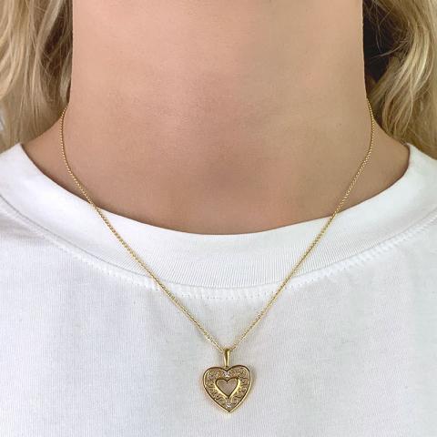 Smuk hjerte zirkon vedhæng i 8 karat guld