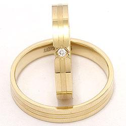 Smukke diamant vielsesringe i 14 karat guld 0,018 ct - sæt