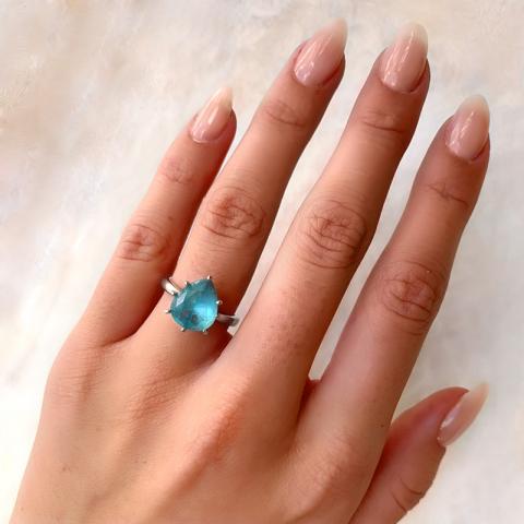 Oval blå ring i sølv