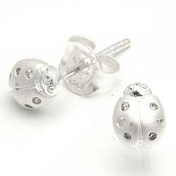 Mariehøne ørestikker i sølv