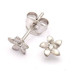 Flotte øreringe i sølv med diamanter